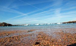 Illustration d'une plage en Bretagne, ici à Trégastel, dans les Côtes d'Armor.