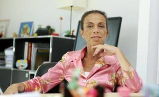 L'ancienne présidente de l'Institut national de l'audiovisuel (INA), Agnès Saal au siège de l'INA, le 31 juillet 2014 à Bry-sur-Marne, dans l'est de Paris
