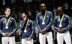 Les fleurettistes tricolores, médaillés d'argent à Rio le 12 août 2016.