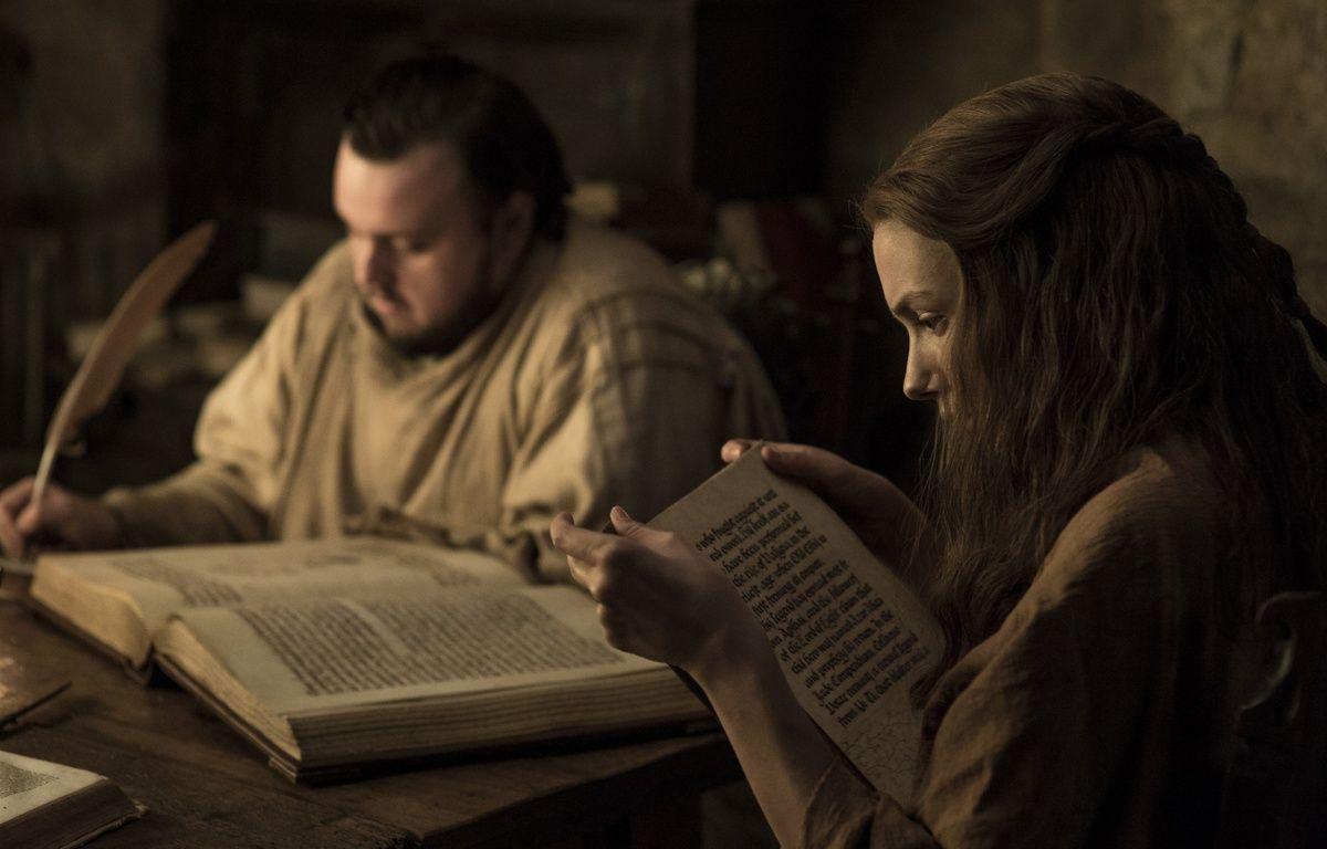 Samwell et Gilly bouquinent bien au chaud ans une bibliothèque de Villevieille (Game of Thrones) – HBO