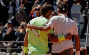 Rafael Nadal, encore trop fort pour Roger Federer à Roland-Garros.