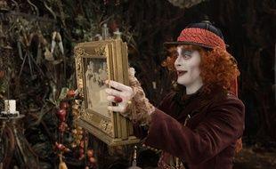 Johnny Depp dans Alice de l'autre côté du miroir de James Bobin