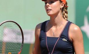 La Française Alizé Cornet a enfin apporté un deuxième titre à son palmarès, dimanche sur la terre battue de Bad Gastein face à la Belge Yanina Wickmayer, dominée 7-5, 7-6 (7/1), mettant fin à quatre années blanches et une chute au classement, où elle avait atteint la 11e place en 2009.