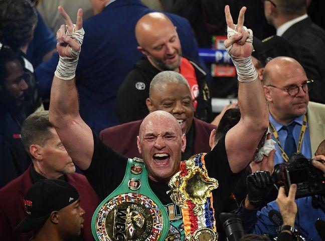 Fury retrouve sa couronne de champion WBC quatre après.