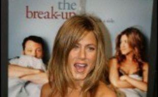 """Le film """"La rupture"""", avec Jennifer Aniston et Vince Vaughn, a pris l'ascendant sur les super-héros """"X-Men"""" pour se placer en tête du box-office nord-américain, selon les chiffres définitifs publiés lundi par la société spécialisée Exhibitor Relations."""