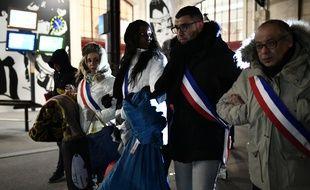Les élus Anne Lebreton, Mama Sy, Abdel Omar et Abdel Salem Hitache s'apprêtent à passer la nuit dehors, le 28 février 2018.