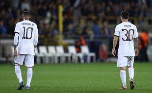 Neymar et Lionel Messi, déçus comme nous après le nul à Bruges (1-1).