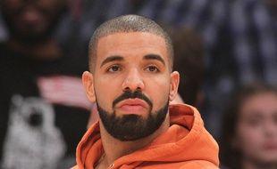 Le rappeur Drake à un match de basketball