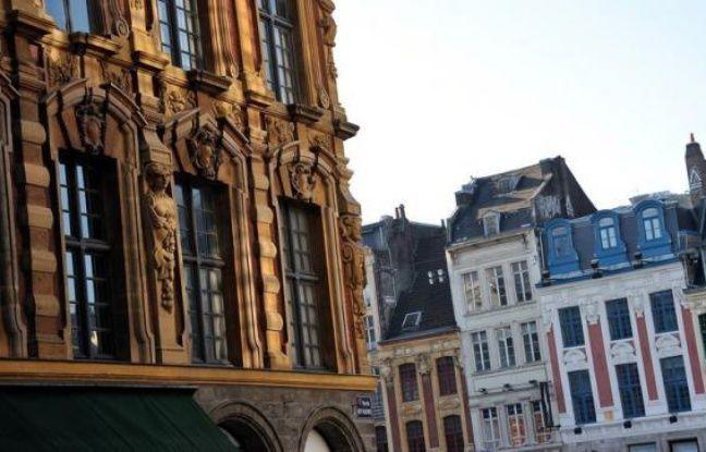 Le nombre de transactions de logements anciens en France a battu, avec un total de 858.200, un record absolu en 2011, ont annoncé jeudi les notaires de France.