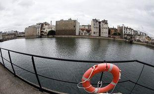 Illustration d'un bassin d'eau non potable à Paris.