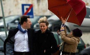 Gerry (G) et Kate McCann arrivent un tribunal à Lisbonne, Portugal, le 12 janvier 2010. Les McCann ont intenté un procès à l'ancien inspecteur de police au sujet de son livre mettant en cause le couple dans l'affaire de la disparition de la petite Maddie.  >> Le mystère Maddie en images ici.