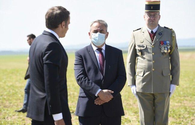 Xavier Bertrand face à Emmanuel Macron.