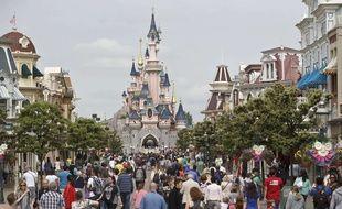 Quatre adolescents ont tenté de pénétrer par effraction dans le parc Disneyland (illustration).