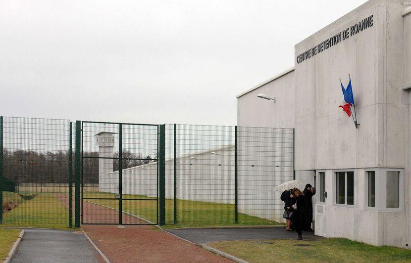 Cannabis, cocaïne et téléphones : Une importante saisie à la prison de Roanne