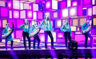 Le groupe Daði og Gagnamagnið lors de sa deuxième répétition sur la scène de l'Eurovision, le 13 mai 2021.