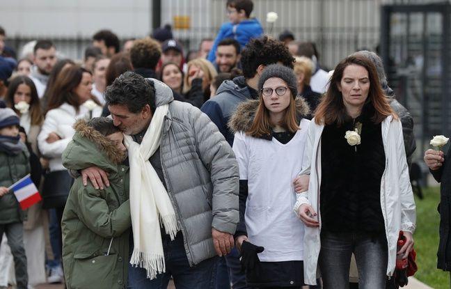 Les parents de Cédric Chouviat lors de la marche blanche pour lui rendre hommage ce dimanche