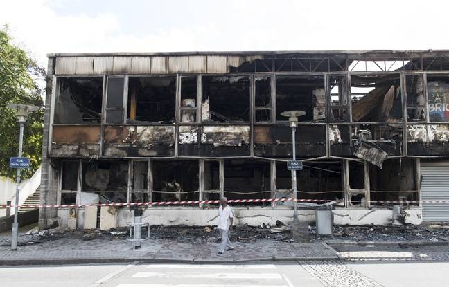Des locaux associatifs réduits en cendres sur place centrale des Dervallières.