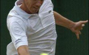 Marion Bartoli et Richard Gasquet, qui n'étaient jamais allés aussi loin à Wimbledon, sont en quête d'exploit vendredi face à deux stars du circuit, Justine Henin et Andy Roddick.