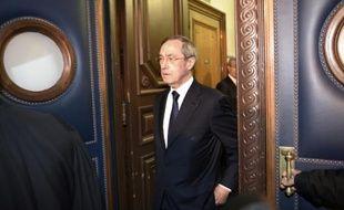 L'ancien ministre de l'Intérieur Claude Guéant arrive au palais de justice de Paris pour assister à son procès, le 28 septembre 2015