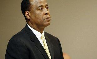 Conrad Murray, le médecin qui a administré une dose mortelle de Propofol à Michael Jackson, lors d'une audience pour le versement d'une pension alimentaire familiale dans un tribunal de Las Vegas, le 16 novembre 2009.