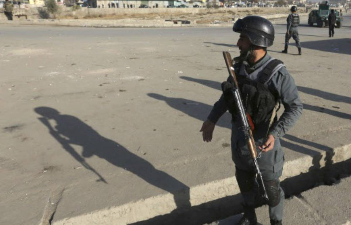 Un soldat afghan dans les rues de Kaboul. – Rahmat Gul