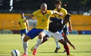 Doria lors d'un match entre le Brésil et l'Equipe de France, lors du Festival international espoirs de Toulon le 1er juin 2014.