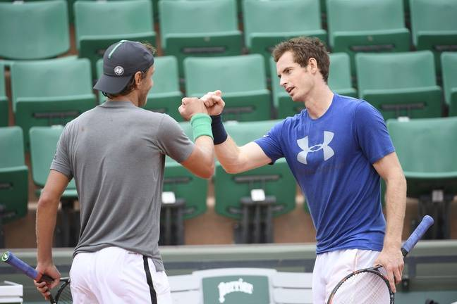Check de gentlemen entre Pouille et Murray