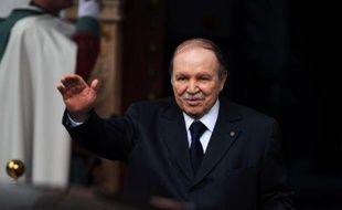 Le président algérien Abdelaziz Bouteflika, 76 ans, est rentré mardi à Alger, après un séjour de quelque 80 jours en France où il avait été hospitalisé à la suite d'un AVC