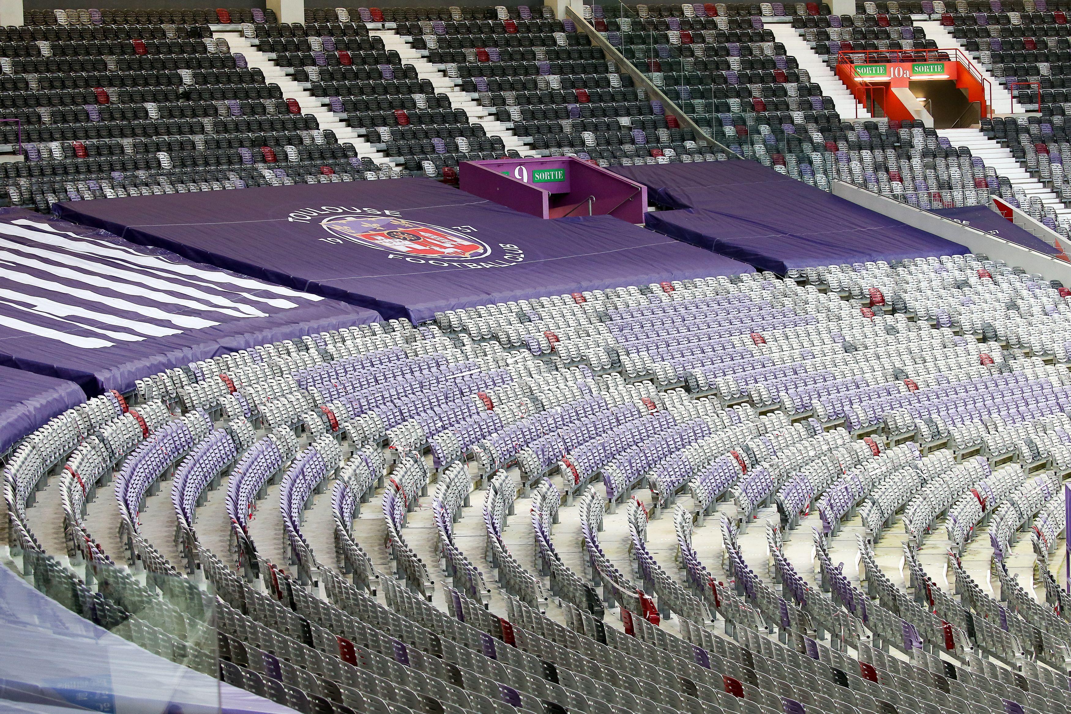 Les travées vides du Stadium de Toulouse. Illustration.
