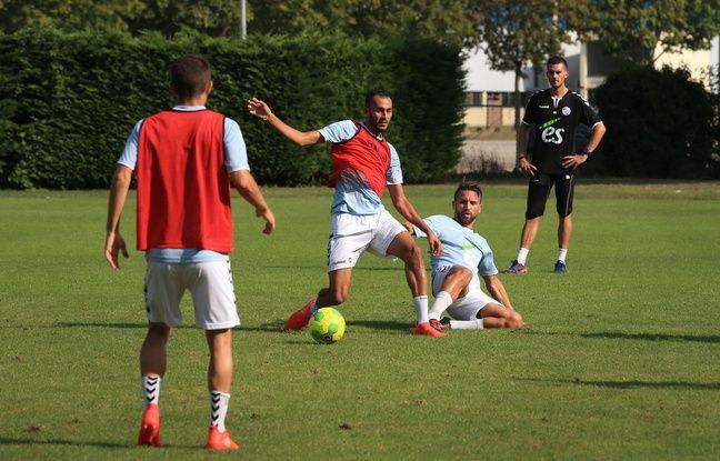 Khalid Boutaïb à l'entraînement avec le Racing en début de saison.