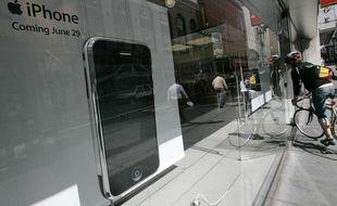 Le premier iPhone dans un Apple Store de Sans Francisco en 2007
