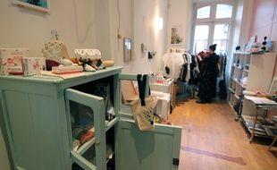 Le pop-up store de Noël installé rue d'Antrain à Rennes.