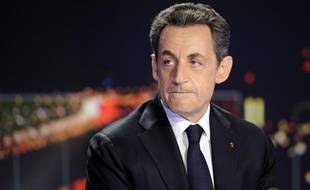 Nicolas Sarkozy, sur le plateau du journal télévisé de TF1, lors de l'annonce de sa candidature à l'élection présidentielle (mercredi 15 février 2012)