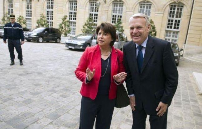 """PS et Front de gauche se sont mutuellement accusés d'être responsables de cet échec. Martine Aubry a """"regretté"""" l'absence d'accord, le PCF y a vu """"un très mauvais signe pour le rassemblement nécessaire à gauche"""". Jean-Michel Baylet (PRG) a dénoncé """"l'attitude hégémonique"""" du PS."""
