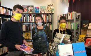 L'équipe de L'établi des mots est fin prête avant l'inauguration de la librairie prévue samedi.