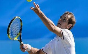 Richard Gasquet, tête de série numéro 1, a été éliminé mardi en trois sets 1-6, 7-6 (7/5), 7-6 (7/3) par l'Australien Marinko Matosevic au 2e tour du tournoi sur gazon d'Eastbourne, à six jours du début de Wimbledon.