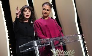 Asia Argento au côté d'Ava DuVernay à Cannes, le 19 mai 2018.