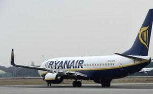 """Après avoir nargué les compagnies traditionnelles avec sa réussite insolente, la compagnie aérienne """"low cost"""" irlandaise Ryanair a inquiété lundi avec son deuxième avertissement sur résultats en deux mois, suscitant des interrogations sur son modèle"""