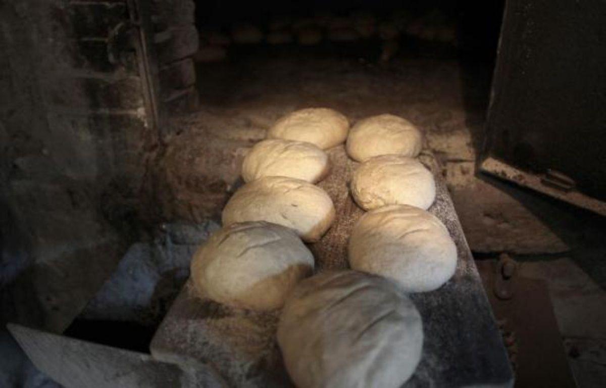 Du pain avant la cuisson, à Montmerrei, le 6 mars 2014 – Charly Triballeau AFP