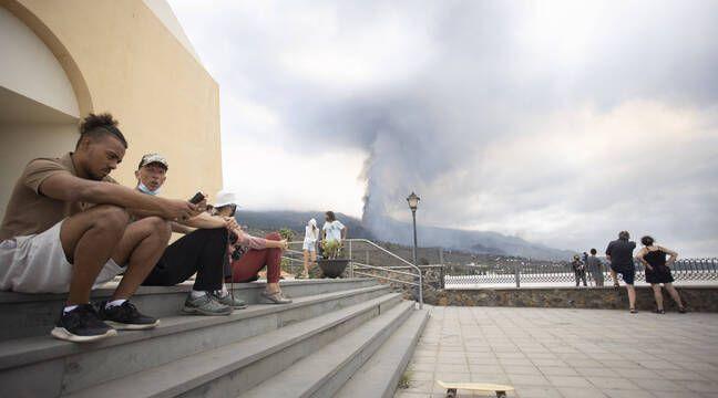 Canaries : L'éruption volcanique entraîne l'évacuation de 6.000 personnes, la lave attendue sur la côte