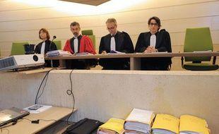 Les magistrats présidant le procès des parents de Marina, avant l'ouverture de l'audience le 11 juin 2012 au Palais de Justice de Mans