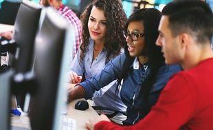 Les jeunes soutenus par le Réseau Etincelle bénéficient de neuf journées de formation en entreprise