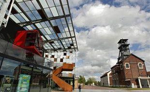 Le nouveau centre culturel, Le Métaphone, essentiellement dédié à la musique, a été construit sur l'ancien site minier de la fosse 9 à Oignies.