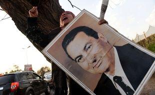 Des partisans de l'ancien président égyptien Hosni Moubarak