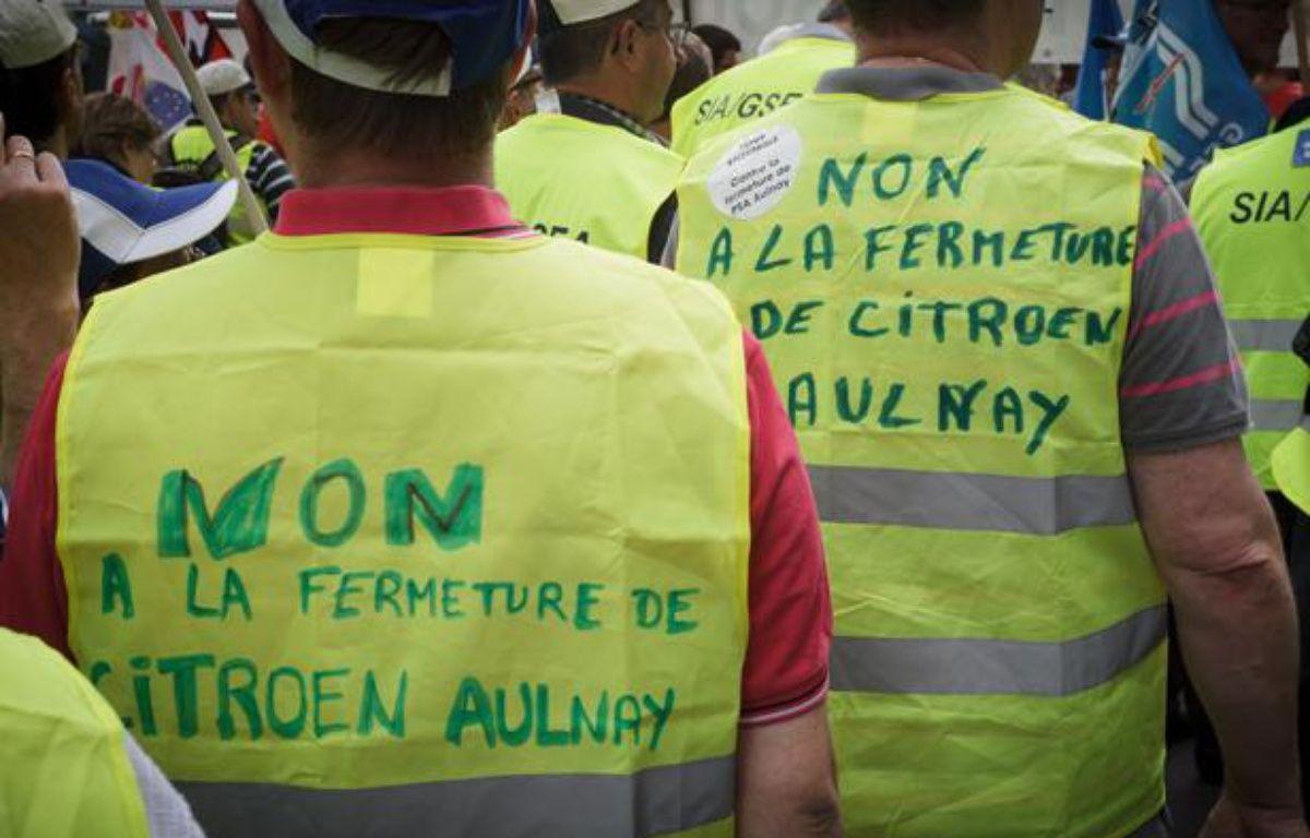 Le 28 juin 2012, les salariés et ouvriers des usines PSA Peugeot Citroën  de France d'Espagne et d'Allemagne manifestaient devant le siège de PSA  avenue de la grande armée à Paris. – A. GELEBART / 20 MINUTES