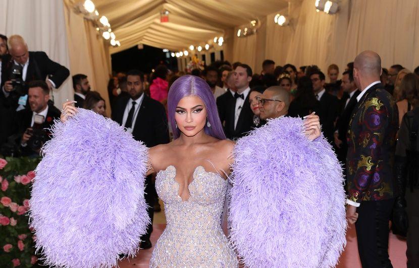 VIDEO. Kylie Jenner réfute les propos du fiancé de Jennifer Lopez