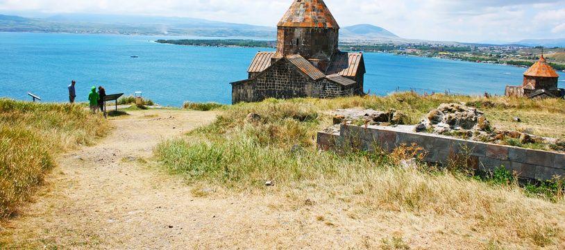 Le lac Sevan est une véritable mer intérieure de 1 400 km².