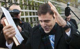 La justice espagnole a condamné mardi à un an de prison le docteur Fuentes, principal accusé de l'affaire de dopage Puerto, mais a une fois encore frustré les parties civiles sportives en leur refusant l'accès aux poches de sang du médecin.