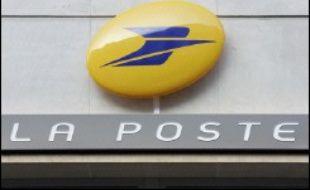 La Poste a annoncé mercredi un investissement de 862 millions d'euros dans le déploiement de 650 machines de tri pour automatiser le traitement du courrier afin d'assurer la distribution dans les boîtes aux lettres en 24 heures en 2010.