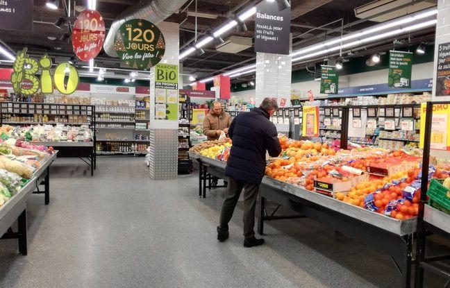 Le 6 décembre, l'enseigne Casino a ouvert son premier supermarché de France ouvert 24h/24 et 7 jours/7 à Lyon.